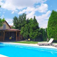 Garden & Pool apartment