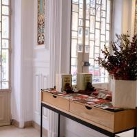 HotelHome Paris 16