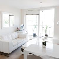 Pass the Keys Bright, Modern 1bedroom Apartment Glasgow Harbour