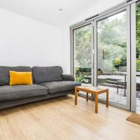 Pass the Keys 2Bedroom Apartment with garden in Clapton
