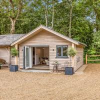 Pass the Keys Delightful 1 bed lodge in South Downs village