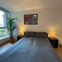 Luxury 2 bed ensuite on the River Bank