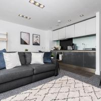 Scenic Dock View Apartment in Central Liverpool