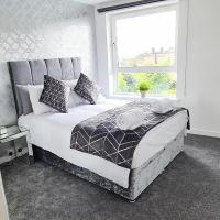 Private 5 star City Centre Penthouse with Free Parking