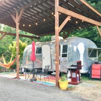 Private Beach - Port Ludlow Beach Happy Camper, hotel in Port Ludlow