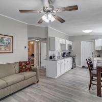 Cozy Bungalow - less than 10 min from NAS Jax!
