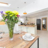 Mickleborough House - Modern, Warm and Classy 3 Bedroom in West Bridgford