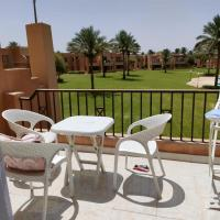 Lovely 1 Bedroom with swimming pool view & amazing garden view, hotel in Makadi Bay