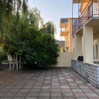 Rey: Nabran şehrinde bir otel