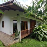 La Ceiba Tree Lodge, отель в городе Тиларан