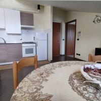 Appartamento nuovo con cucina ai piedi del Monviso, hotell i Bagnolo Piemonte