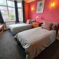 4 Bedroom House Coventry - Hosted By Coventry Accommodation