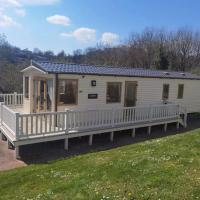 Static caravan , Devon Bay Holiday Park, Paignton, hotel in Goodrington