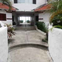 Hermosa Villa en Casa blanca a 20 metros de la playa, hotel em Same