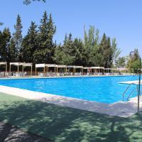 Camping & Bungalows Suspiro del Moro, hotel in Otura