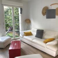 Petit nid pour des vacances familiales ou entre amis, hôtel à Périgny