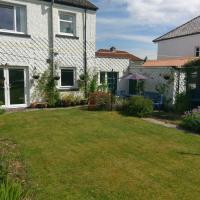 Large pet friendly family home premier area huge garden patio parking central Inverness