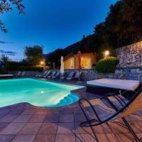 Apartments in Malcesine/Gardasee 22016, hotell i Assenza di Brenzone