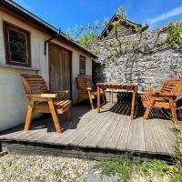 Pass the Keys Cosy & Stylish 2Bedroom cottage next to Cowbridge