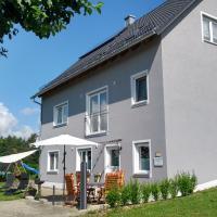 Ferienwohnung Pinzenhof, hotel in Kemnath
