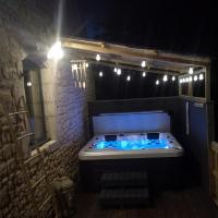 Gîte La Grange de La Trigalle avec spa professionnel privatif