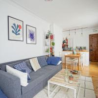Beautiful bright apt in the heart of the capital