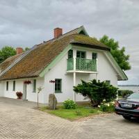 Ferienhaus Oppe, отель в городе Вик (Рюген)