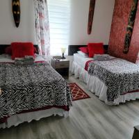 Quiet cozy apartment next to highway wifi+netflix, hotel em Edmundston