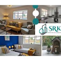 Luxury Apt 2 Bedroom, 2 Bathroom & 2 Parking by Srk Accommodation