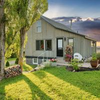 Raven Hill Vineyard Cottage in Fabulous Wolfville Location