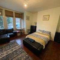 Lovely large flat double room great location