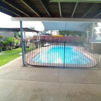 Savannah bnb, hotel near Townsville Airport - TSV, Ross River