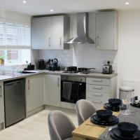 Low Cost, 4 Bed, Pet Friendly Apartment & Parking 07