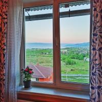 2-х комнатная квартира с видом на Байкал, отель в Слюдянке