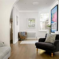 Large and Modern 3 Bedroom Family Home in Earlsfield