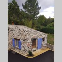 Maisonnette en pierre indépendante de 20 m2、Saint-Cirgues-sur-Couzeのホテル