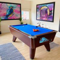 Cosy Urban Retreat Apartment- Pool Table & Balcony