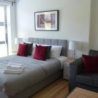 Bright and airy studio apartment in Sydenham
