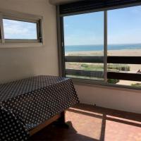 Appartement Port Leucate, 3 pièces, 5 personnes - FR-1-81-451, hotel near Perpignan - Rivesaltes Airport - PGF, Port Leucate