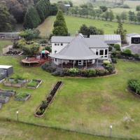 Launceston 3BR Waterview Signature Home Rosevears, hotel in Rosevears