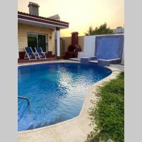 Oasis villa, private pool, hotel em Obhor