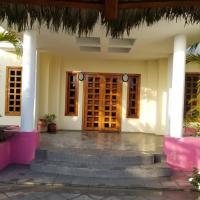 La Serinita Villas on the Beach, hotel em Crucita
