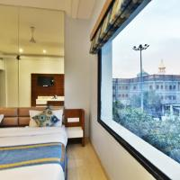 Hotel Vacation Inn With Golden Temple View