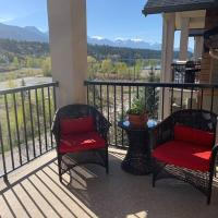Beautiful 2 Bedrooms Condo w Mountain & Lake Views