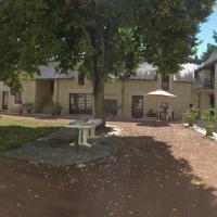 Gîte Ligré, 3 pièces, 4 personnes - FR-1-381-10, hôtel à Ligré