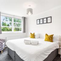 NIKSA Serviced Accommodation - 3 bedroom house, hotel in Welwyn Garden City