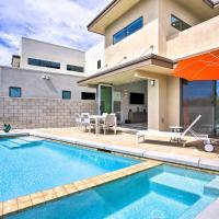 Sleek Townhome with Private Pool, Gym, and More!, hotel near Palm Springs International Airport - PSP, Palm Springs