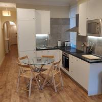 Battersea 3-bedroom apartment with garden