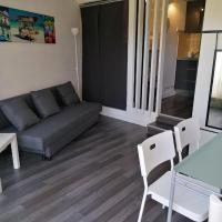 Charmant studio Residence Carnon plage-Climatisation-Parking Prive
