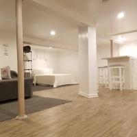 A Simple Studio - JFK abt 5mi, hotel in Saint Albans